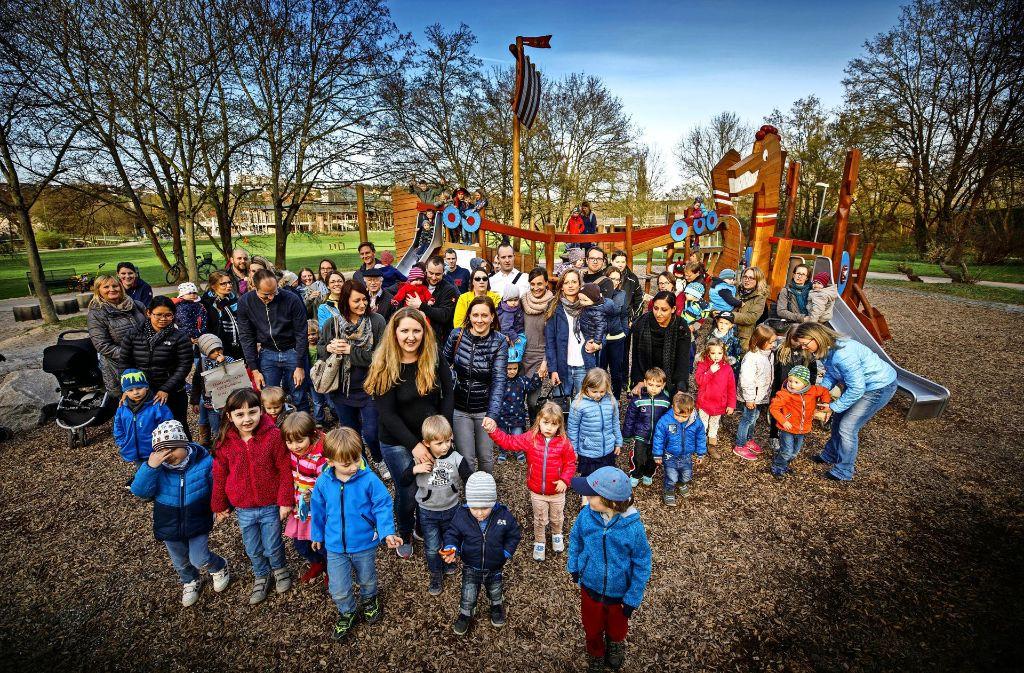 Bei der  Brühlwiese haben am Montag Eltern und Kinder protestiert. Foto: Gottfried Stoppel