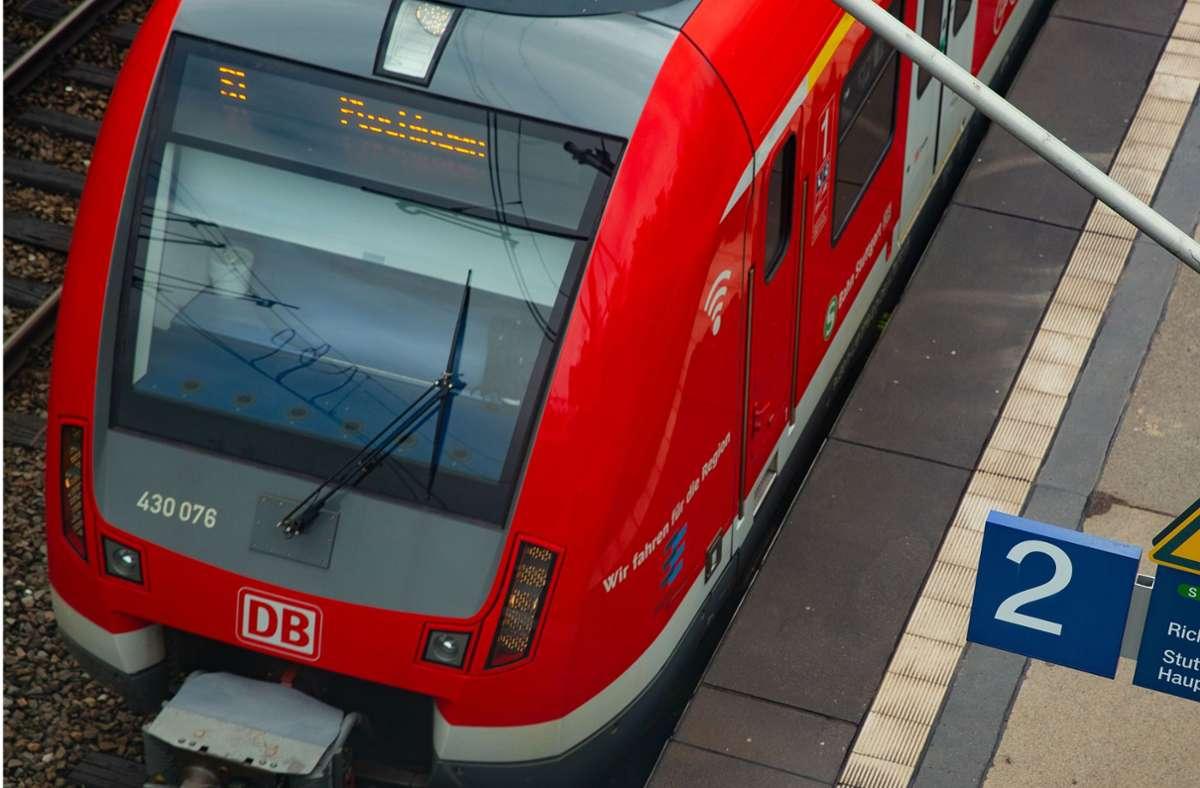 Die Leistungen der S-Bahn sollen weiter  verbessert werden. Dafür will der Verband Region Stuttgart Prüfaufträge vergeben. Foto: Lichtgut/Leif Piechowski
