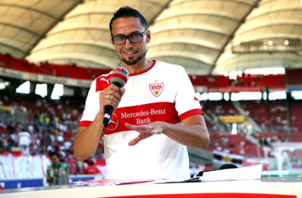 Guter Einstand: Holger Laser ist nun der Mann hinter dem VfB-Mikrofon. Foto: Baumann