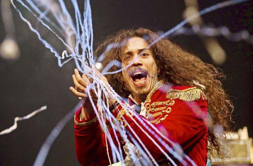 Atemberaubende Zaubershow feiert Premiere