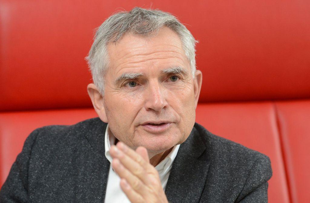 VfB-Präsident Wolfgang Dietrich sieht sich erheblicher Kritik entgegen – manchmal geht es auch darüber hinaus. Foto: picture alliance / dpa