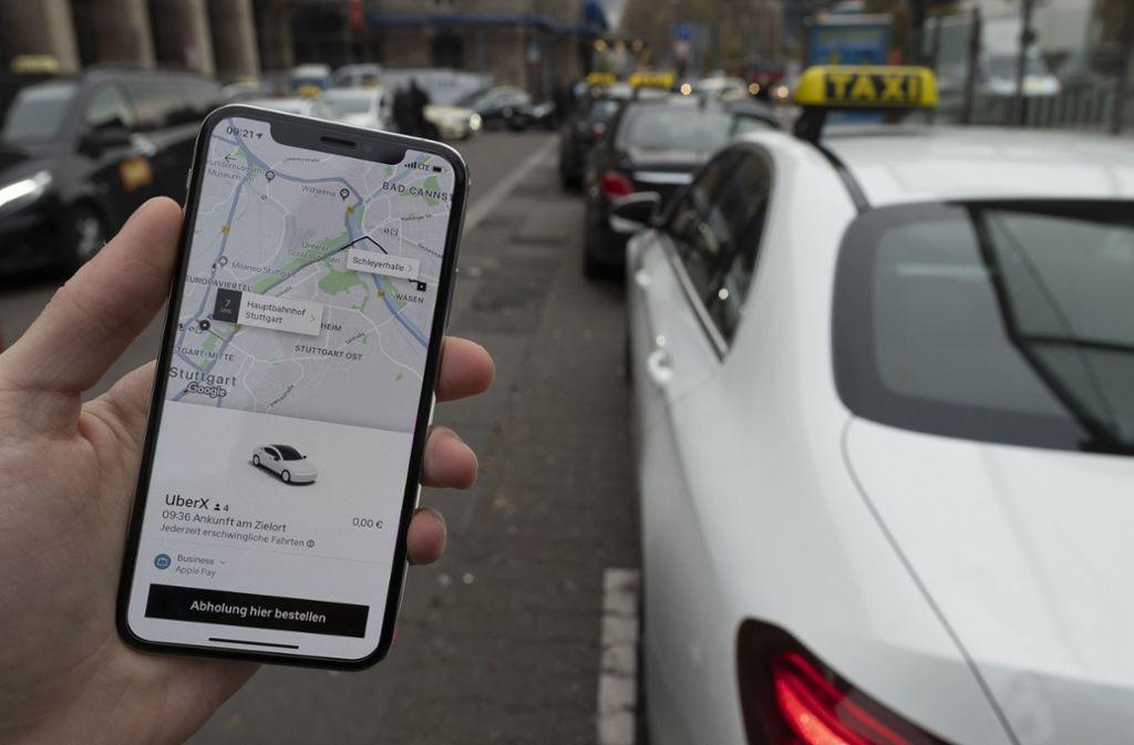 Qual der Wahl: Neben den klassischen Taxis sind in Stuttgart  jetzt auch Fahrten mit der Uber-App verfügbar. Wir haben sie getestet. Foto: Leif Piechowski/Leif Piechowski