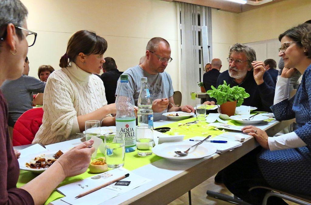 Die Gruppe Basilikum ist eine von sechs Kochgruppen. Foto: Julia Bosch