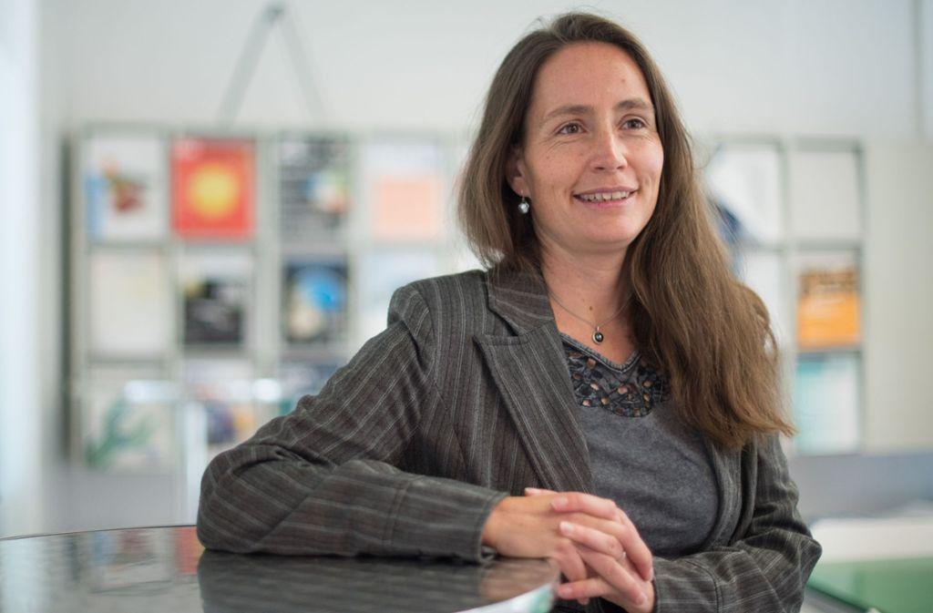 Nicole Radde gehört an der Uni Stuttgart zur Minderheit: Sie ist Professorin für Systemtheorie in der Systembiologie. Als Gleichstellungsbeauftragte arbeitet sie an einer Steigerung des Frauenanteils Foto: Lichtgut/Max Kovalenko