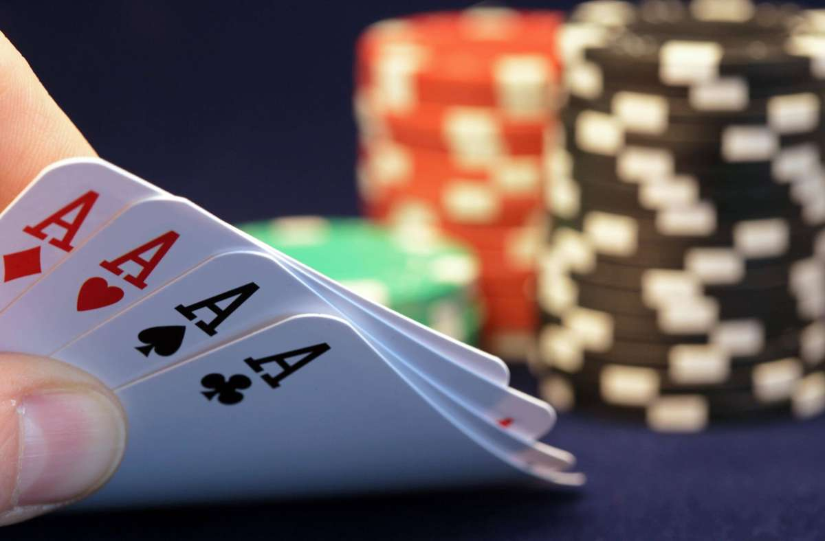 In Sindelfingen ging die Polizei gegen illegales Glücksspiel vor. (Symbolbild) Foto: imago/Panthermedia/Stillleben