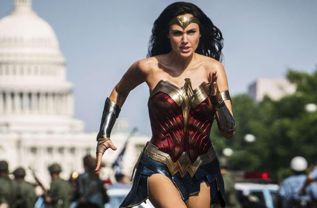"""Am 25. Dezember kommt Gal Gadot als Titelheldin in """"Wonder Woman 1984""""  ins Kino – aber nicht nur dorthin. Foto: dpa/Clay Enos"""