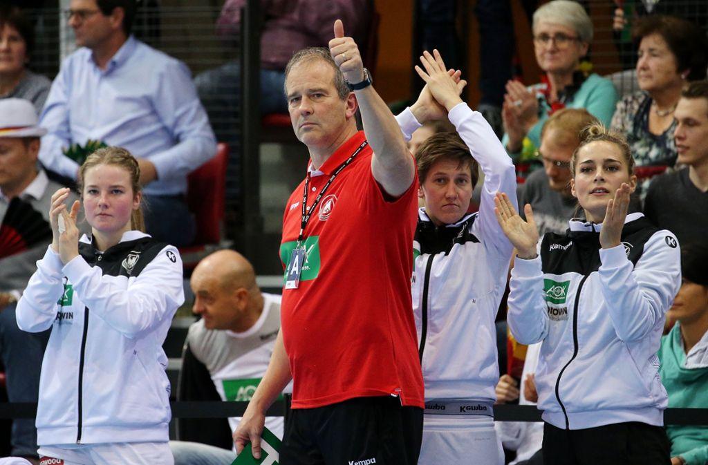 Bundestrainer Henk Groener spielt mit der DHB-Auswahl in Bietigheim-Bissingen. Foto: Pressefoto Baumann/Julia Rahn