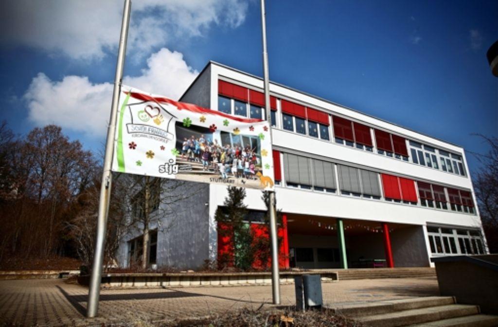 Hinter der Kirchhaldenschule soll das Kinderhaus gebaut werden. 4,64 Millionen Euro stehen dafür bereit. Foto: Sarah Gräber