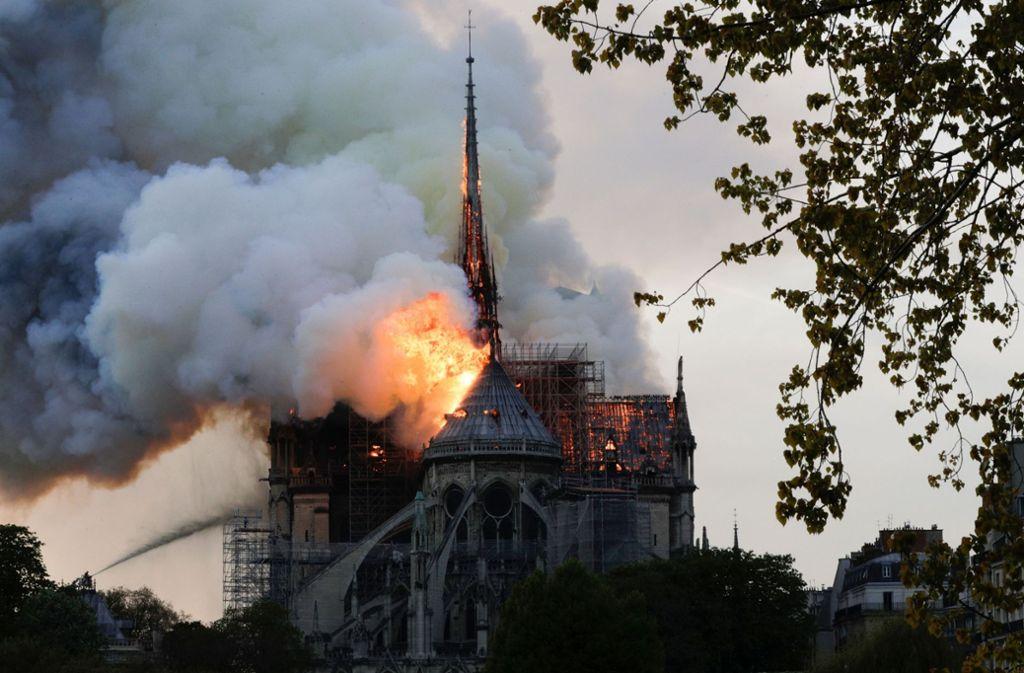 Notre-Dame stehe in Flammen – und Donald Trump meldet sich via Twitter. Foto: AFP