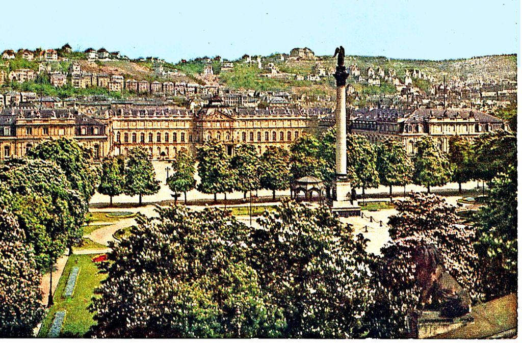 Der Schlossplatz vor 100 Jahren:Es gab  mehr Bäume als heute, der  Musikpavillon stand zwischen Schloss und  Jubiläumssäule. Foto: Hans Hildenbrand/Haus der Geschichte