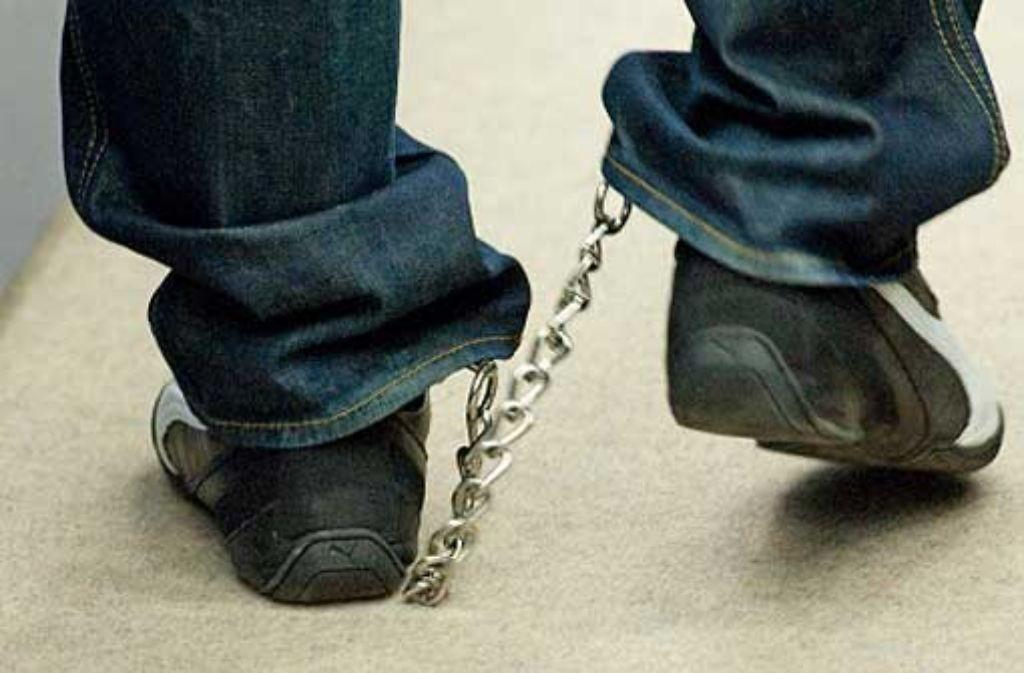 Sieben Mitglieder der rockerähnlichen Gruppierung Black Jackets müssen wegen diverser Verbrechen für lange Zeit hinter Gitter. (Symbolbild) Foto: dpa