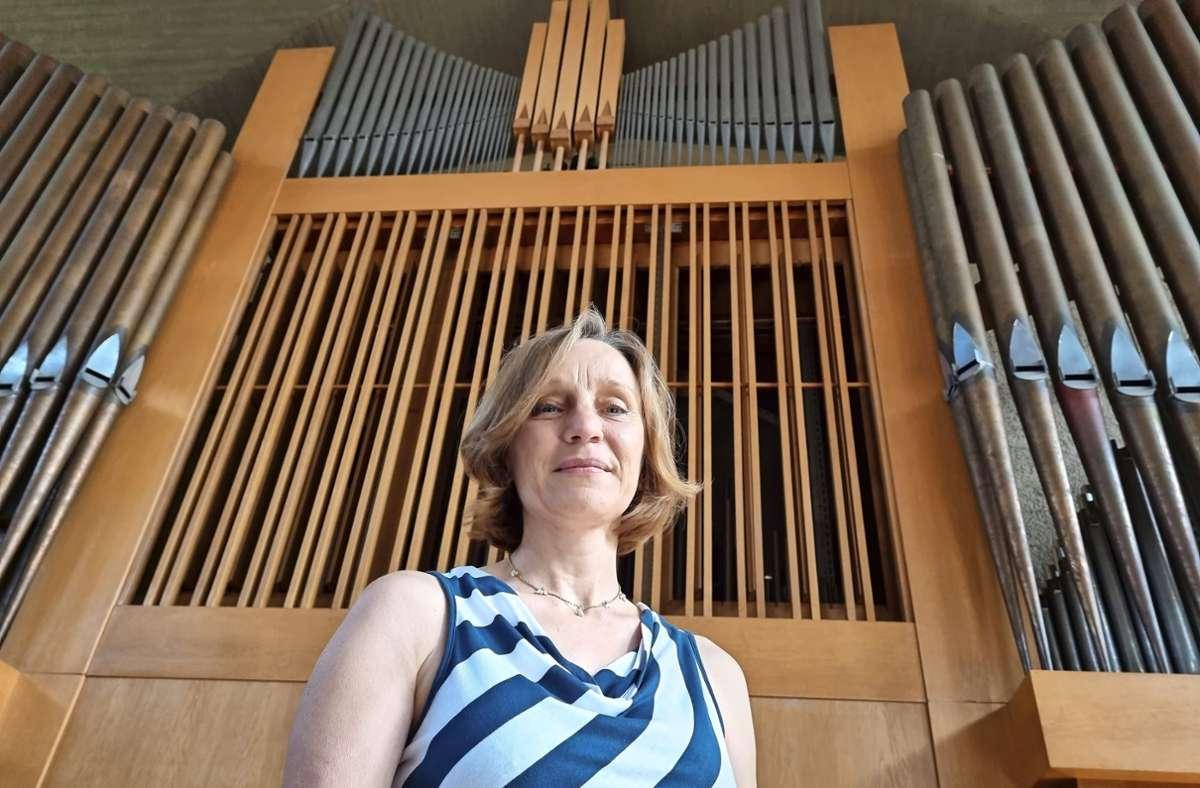 Sabine Steinmetz, Kirchenmusikerin und Kantorin der Pauluskirche, sieht in der Erneuerung ihrer Orgel den Schutz eines kulturellen Erbes Foto: Mario Esposito