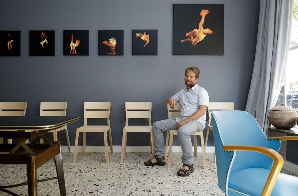 Bei der Kunstnacht zeigt Alex Schenk Fotografien von Flammen. Foto: Jan Potente