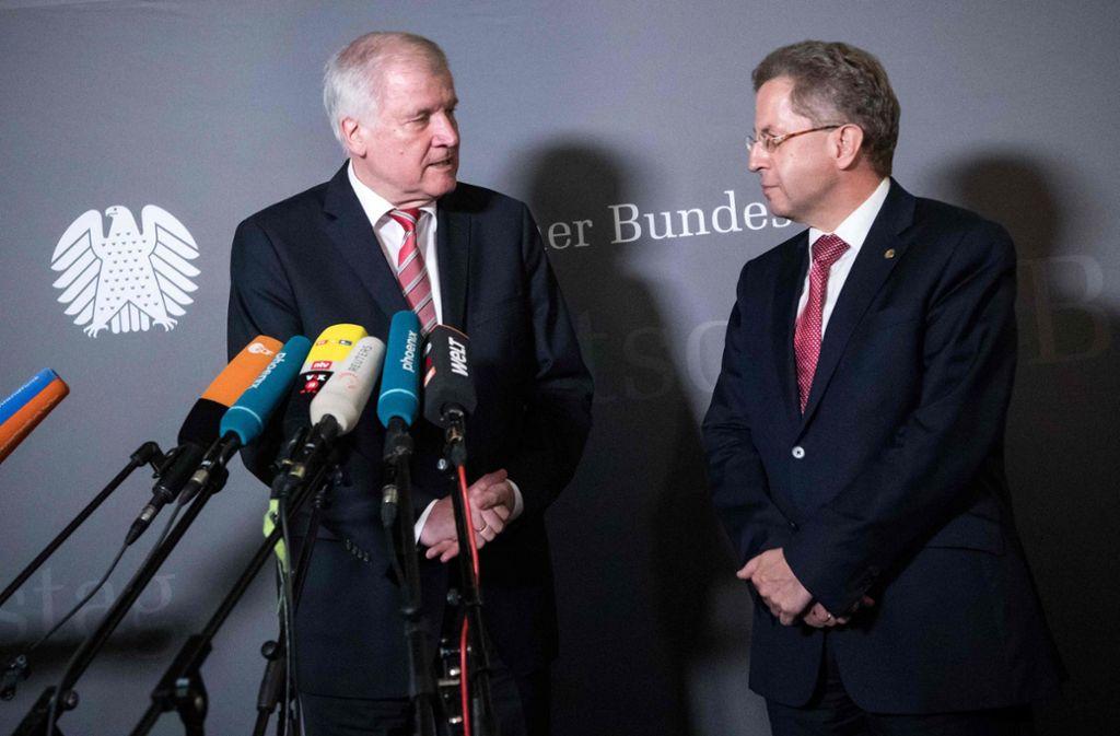 Bundesinnenminister Horst Seehofer hält zu Hans-Georg Maaßen. Foto: dpa