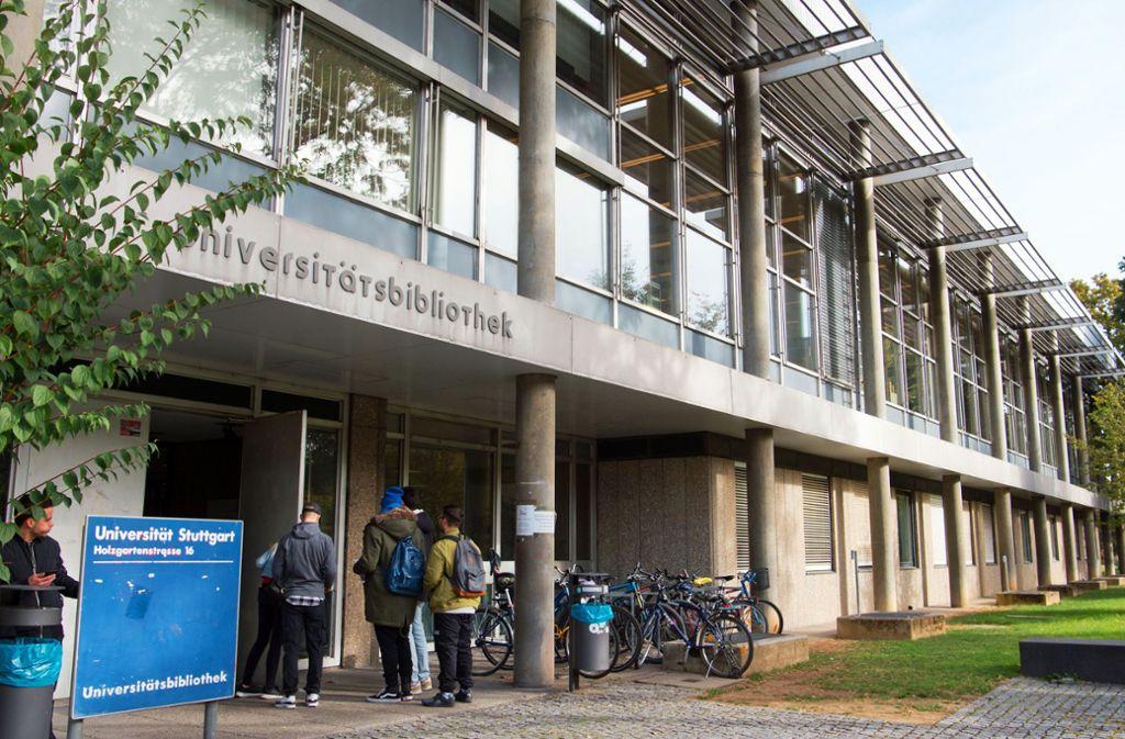 Die Unibibliothek ist in die Jahre gekommen. Foto: dpa/Oliver Willikonsky
