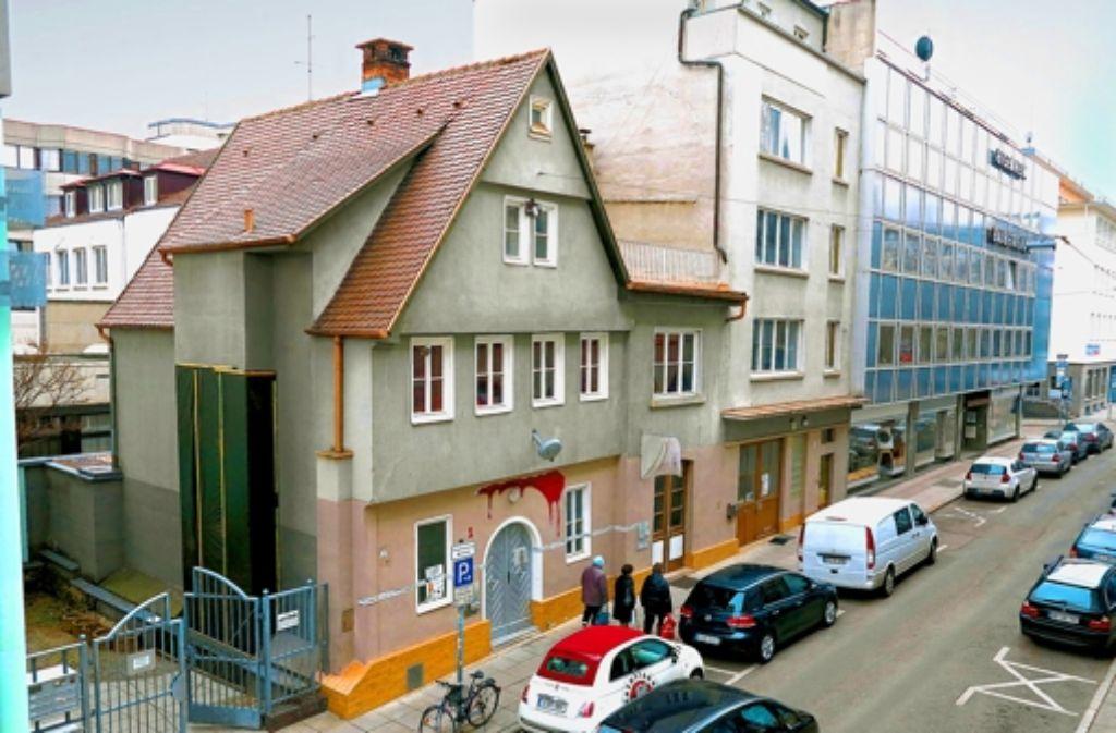 Die Tage des alten Hauses in der Firnhaberstraße sind wohl gezählt. Foto: Achim Zweygarth