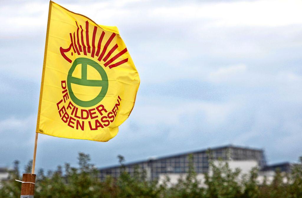 Bei Demonstrationen zeigt die Schutzgemeinschaft stets Flagge. Foto: Frank Eppler
