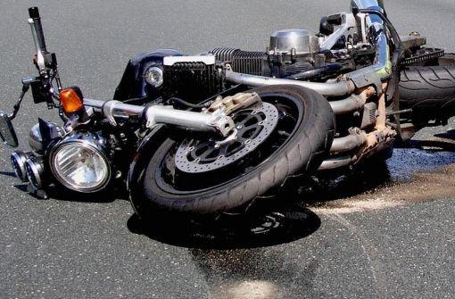 20.6.: Motorradfahrer verletzt liegenlassen