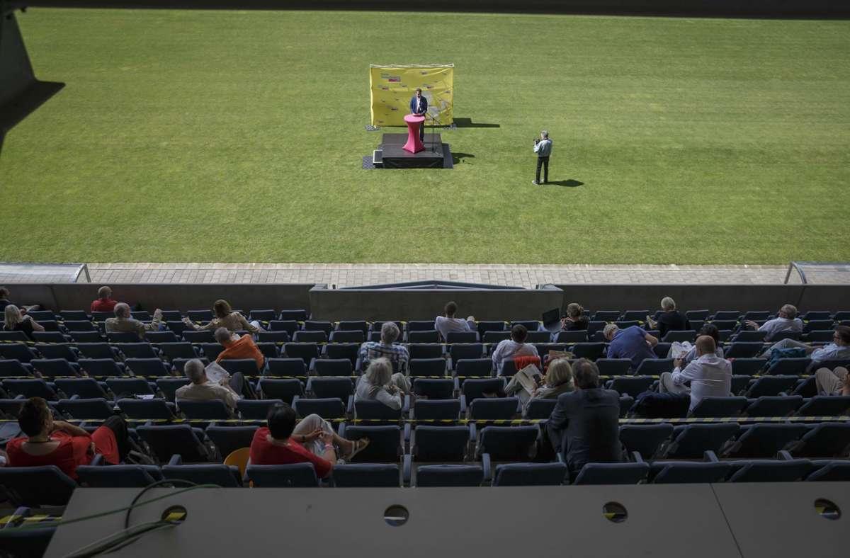 Wahlkreiskonferenz im Gazi-Stadion. Foto: Lichtgut/Julian Rettig