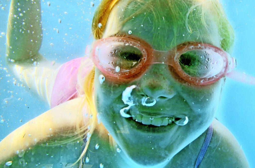 Wo sollen Kinder schwimmen lernen und aktive Sportler trainieren? Mit dieser Frage beschäftigen sich die Vereine nach Pfingsten bei einem runden Tisch. Foto: dpa