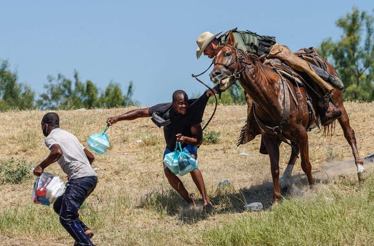 Die Lage in Del Rio mit Tausenden Migranten aus Haiti hatte sich zuletzt zugespitzt. Foto: AFP/PAUL RATJE