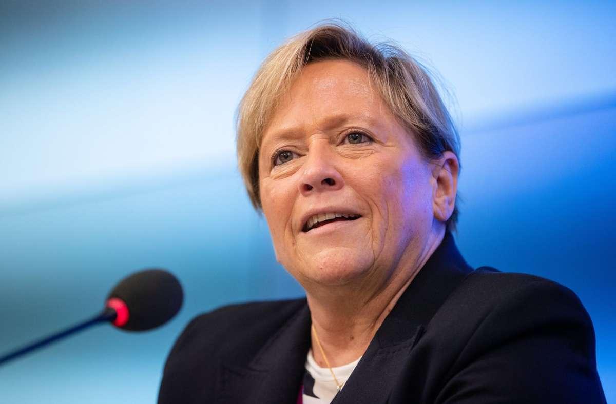 Kultusministerin Susanne Eisenmann will auf Schnelltests an Schulen setzen. Foto: dpa/Christoph Schmidt
