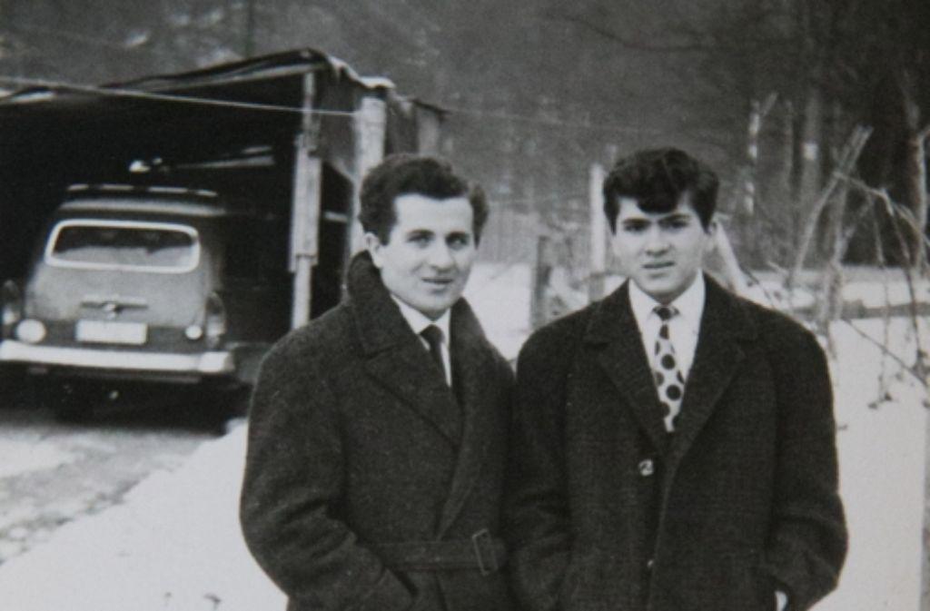 Ein Bild aus frühen deutschen Tagen: Michele (links) und Antonio Di Gennaro haben sich für das Foto in Schale geschmissen. Foto: Lichtgut/Achim Zweygarth