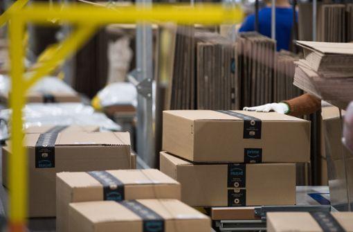 Gewerkschaft Verdi droht Versandhändler Amazon