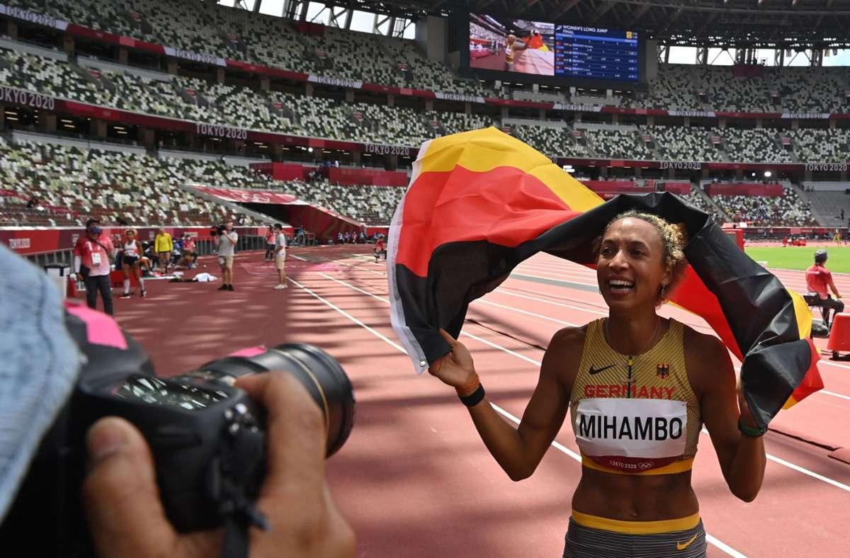 Im Olympia-Finale triumphierte Malaika Mihambo im letzten Versuch mit 7,00 Metern. Foto: AFP/ANDREJ ISAKOVIC