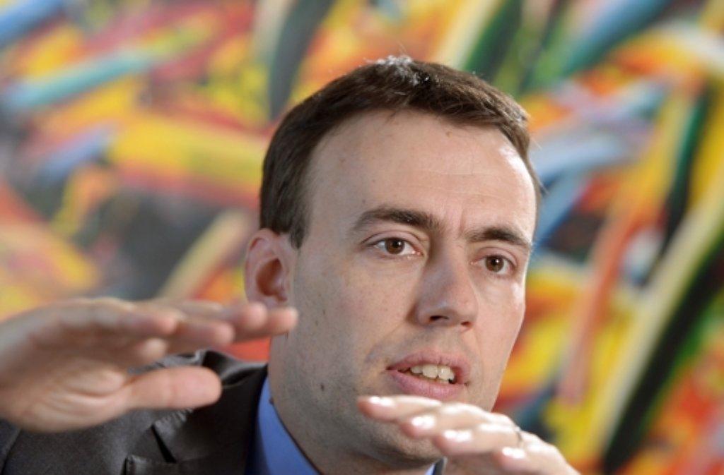 Der baden-württembergische Wirtschafts- und Finanzminister Nils Schmid will Zuwanderer verstärkt in den Arbeitsmarkt integrieren. Foto: dpa