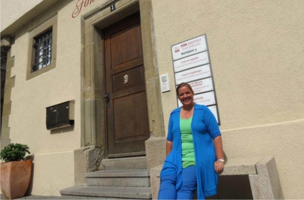 Einst Dekanat, dann Polizeiposten, später hat das  Sozialamt die Räume am Marktplatz genutzt. 2005 ist Ariane Willikonsky mit dem Fon-Institut eingezogen. Foto: Barnerßoi