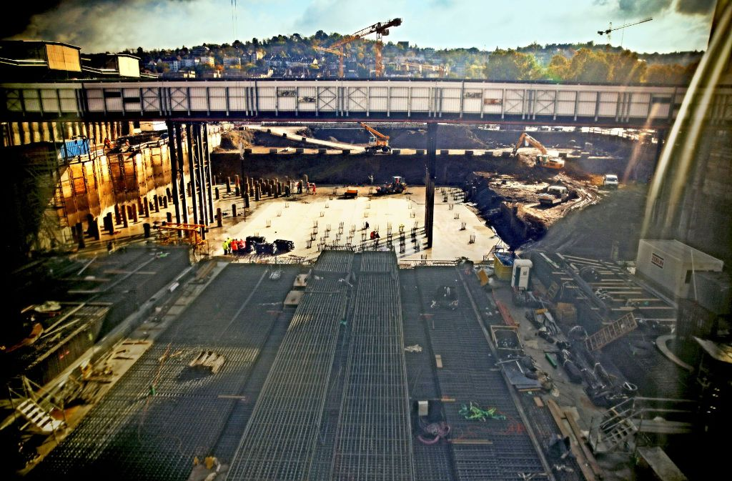 Was die Bauarbeiten am Bahnhof endgültig kosten und wann das Projekt abgeschlossen wird, soll im Dezember klar sein. Foto: Lichtgut/Leif Piechowski