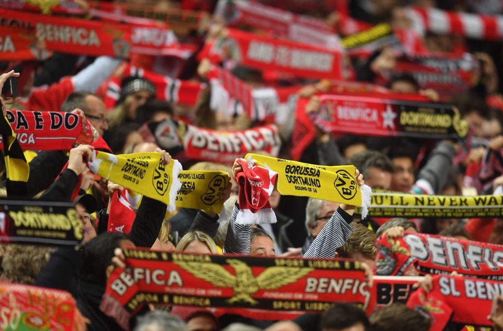 Viele der mitgereisten BVB-Fans kamen nicht rechtzeitig zur Champions-League-Partie gegen Benfica Lissabon ins Stadion. Foto: dpa