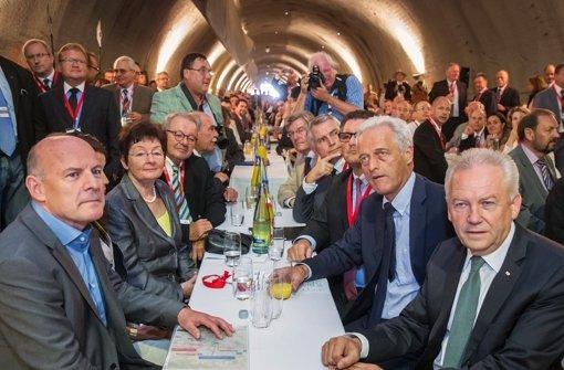 Feier zum Baubeginn am Steinbühltunnel: Landesverkehrsminister Herrmann (li.), Bahnchef Grube (re.) und Bundesverkehrsminister Ramsauer (2. v. re.). Foto: Achim Zweygarth