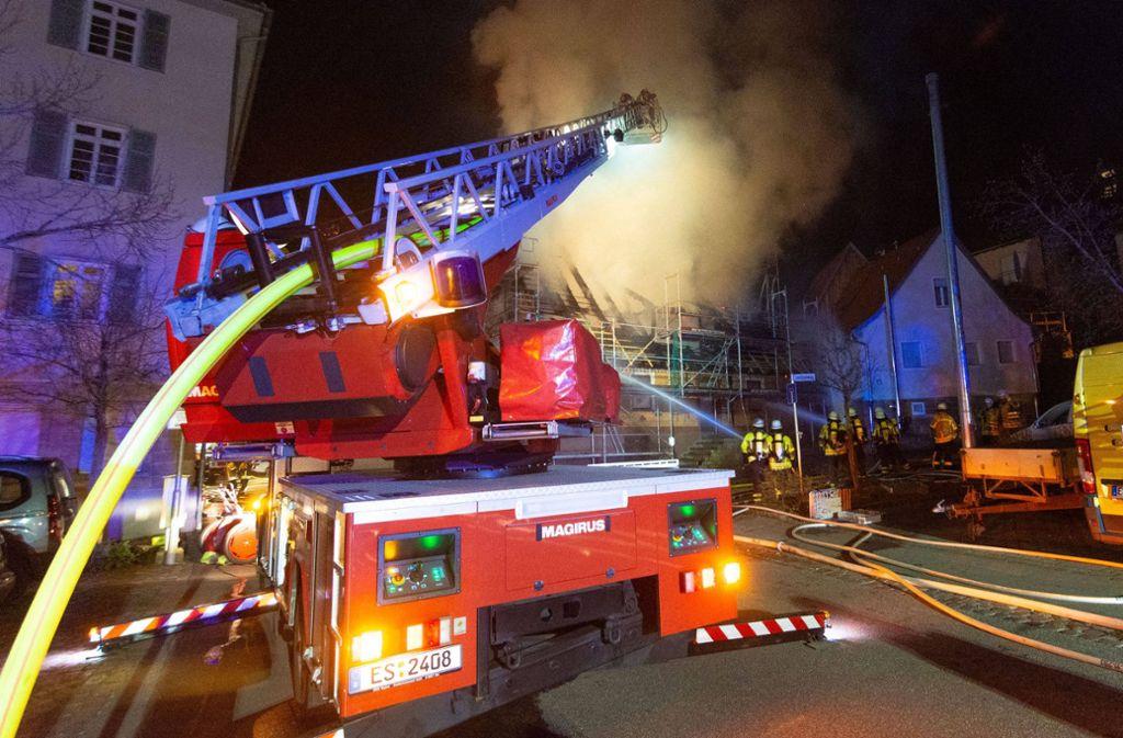 Bei dem Brand in Aichtal wurde ein Ersthelfer verletzt. Foto: 7aktuell.de/Moritz Bassermann/7aktuell.de