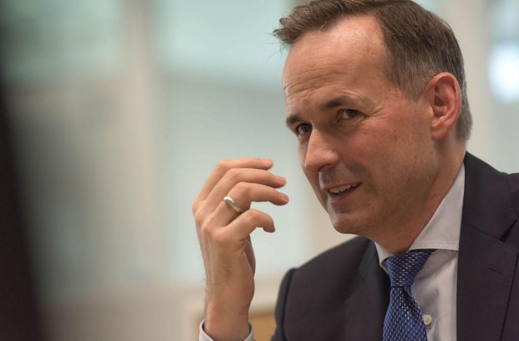 Ergo-Deutschlandchef Achim Kassow will ein Signal an Mitarbeiter senden. Foto: Lichtgut/Max Kovalenko