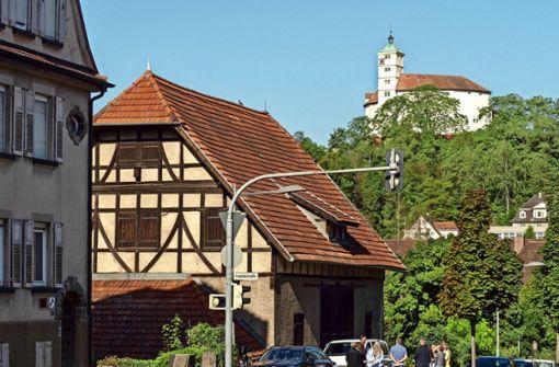 Denkmalgeschützte Scheune steht Neubauten im Weg