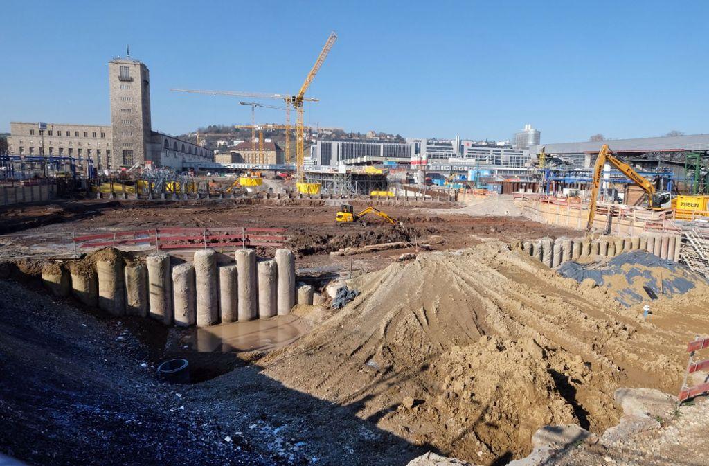 Die Baustelle von Stuttgart 21 wird noch lange Zeit das Bild in der Innenstadt prägen. Foto: dpa