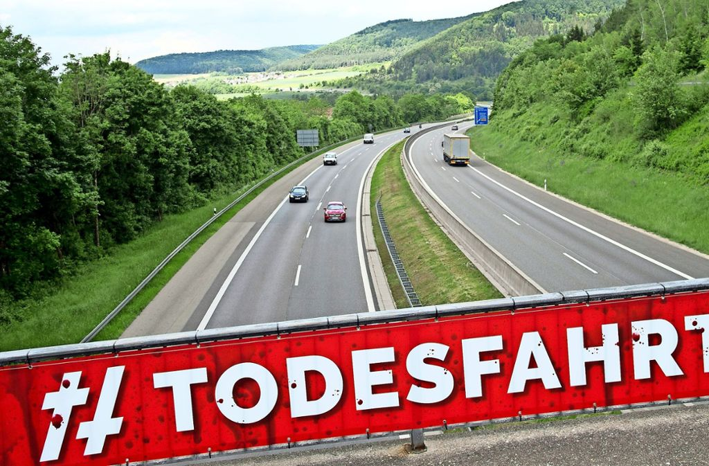 Raser gefährden Leben – darauf lässt der Landesverkehrsminister Winfried Hermann mit drastischen Worten hinweisen. Foto: epa Scanpix Sweden