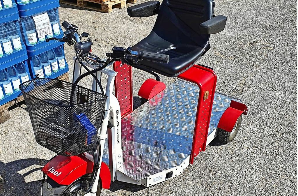 Auf das kleine Elektromobil passen drei bis vier Getränkekisten. Foto: privat