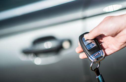 Seniorin fährt mit falschem Auto weg