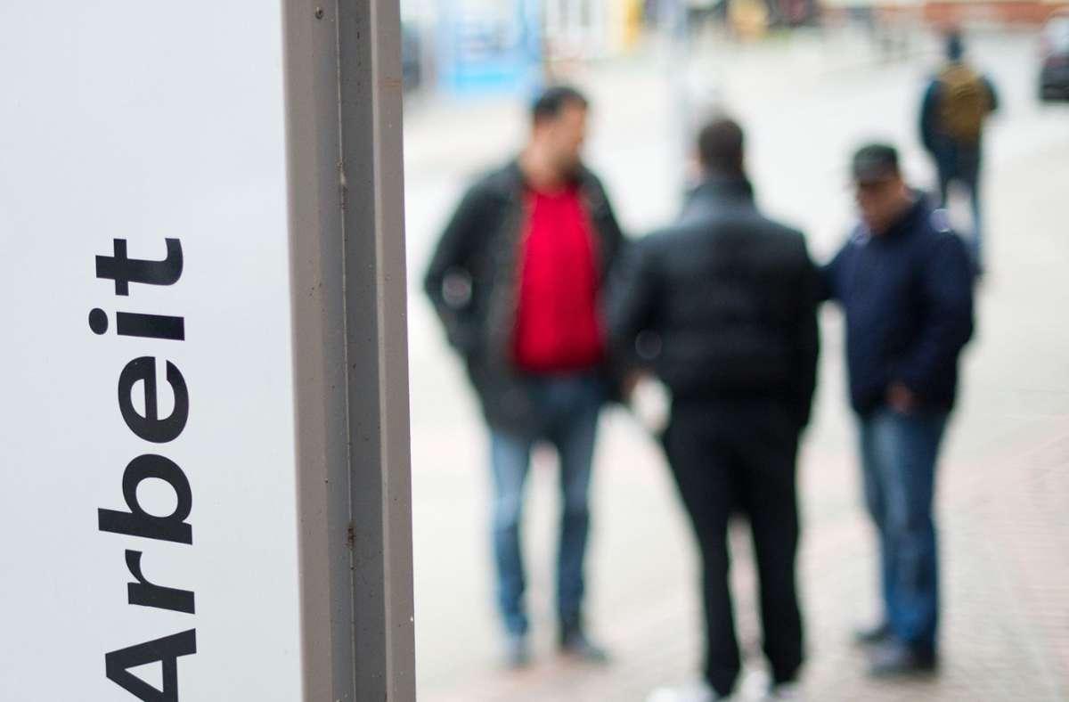 Nach Angaben der Bundesagentur für Arbeit waren im November 2,699 Millionen Menschen arbeitslos, 61.000 weniger als noch im Oktober. Foto: dpa/Julian Stratenschulte