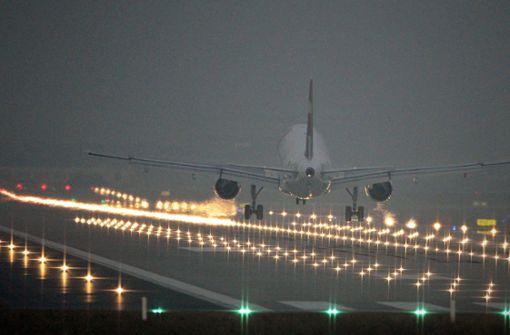Flieger um 0.01 Uhr gelandet – Passagiere müssen in Quarantäne