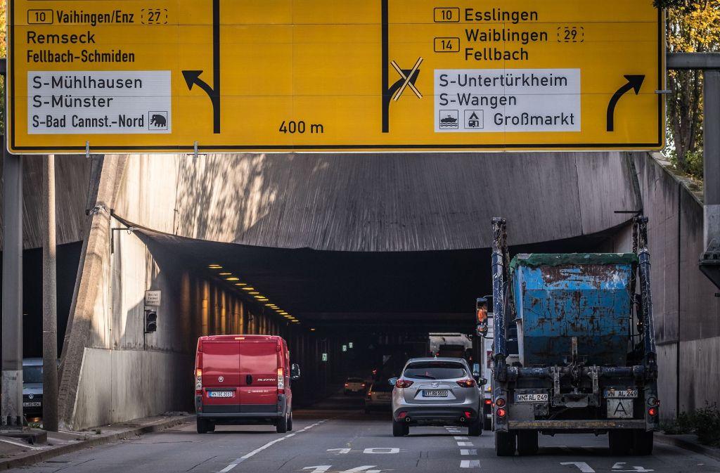 Die Einfahrt zum Schwanenplatztunnel im Stuttgarter Osten: Hier ist eine gründliche Betonsanierung fällig, sagt die Tiefbauverwaltung der Stadt. Foto: Lichtgut/Max Kovalenko