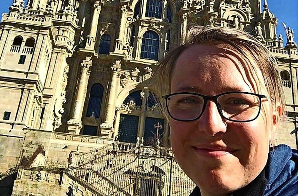 Angekommen: Julia Zimmermann vor der Kathedrale in Santiago de Compostela Foto: Julia Zimmermann