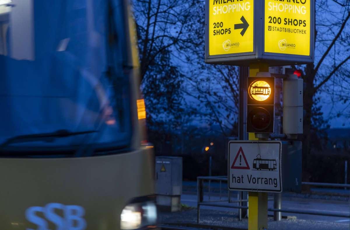 Wegen eines Stadtbahnunfalls in Stuttgart-Bad Cannstatt musste die Polizei ausrücken. (Symbolbild) Foto: imago images/Arnulf Hettrich