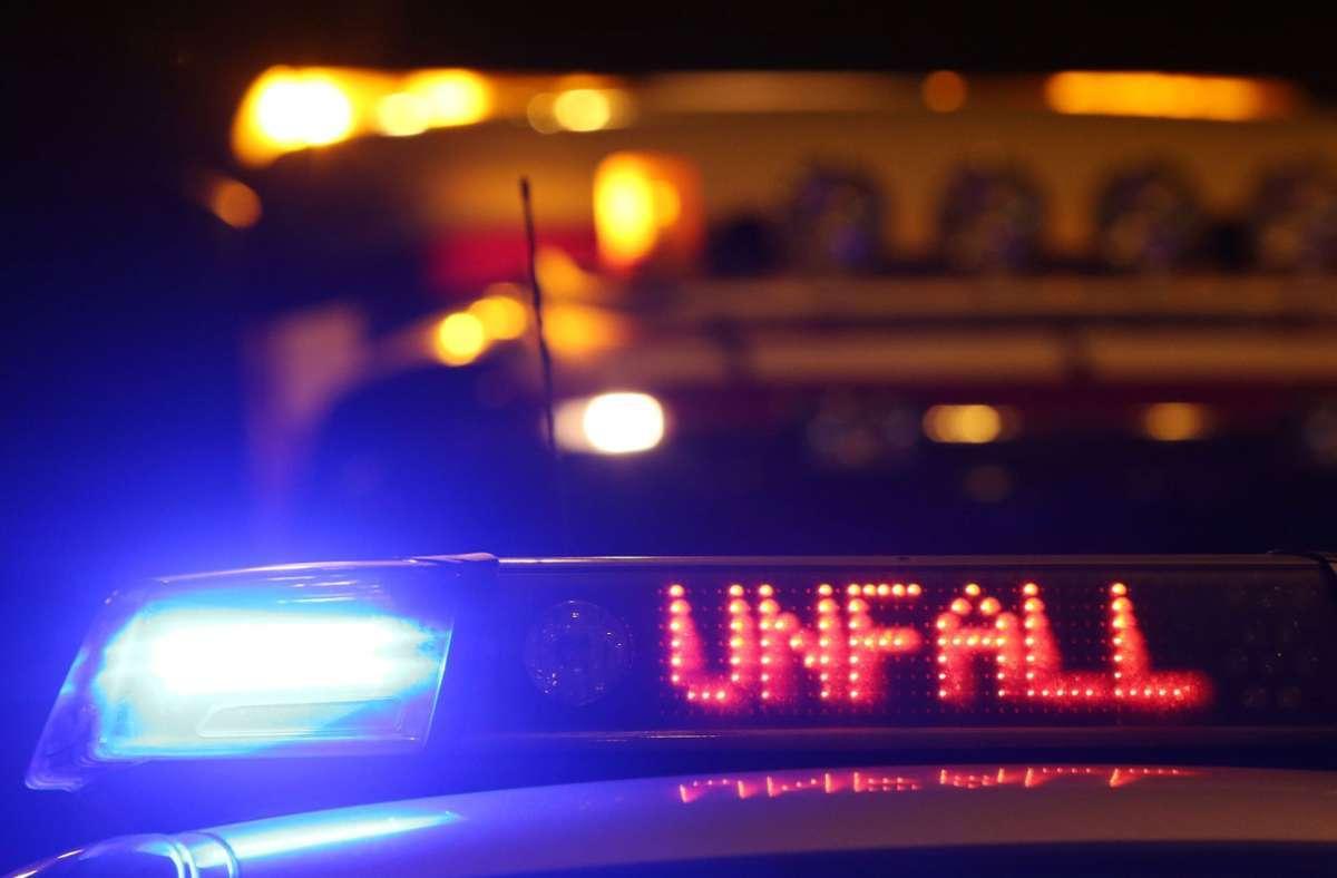 Die 23-Jährige zog sich bei dem Unfall in der Nacht zu Samstag keine Verletzungen zu (Symbolfoto). Foto: picture alliance / dpa/Malte Christians