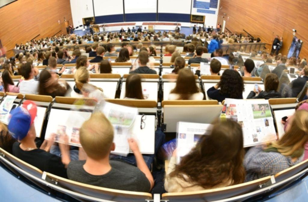 Wer seine Karriere an der Hochschule plant, muss sich oft mit schlechten vertraglichen Bedingungen arrangieren. Foto: dpa
