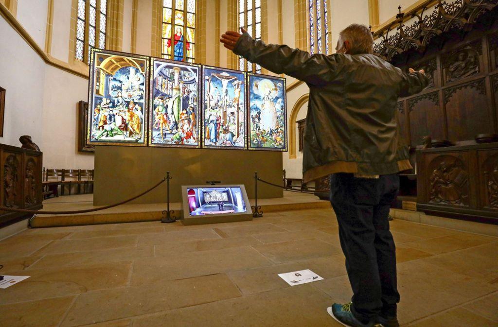 Interaktive Kunst: der Altar reagiert auf Gesten der Besucher Foto: factum/Simon Granville