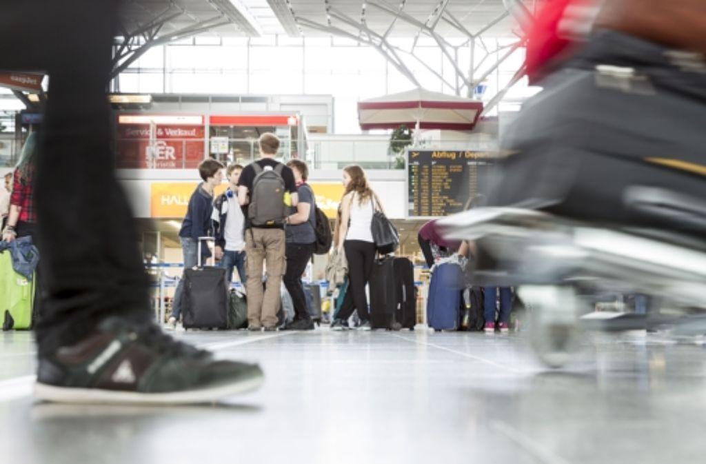Beim Aussteigen geht es mitunter hektisch zu am Flughafen. Foto: Lichtgut/Leif Piechowski